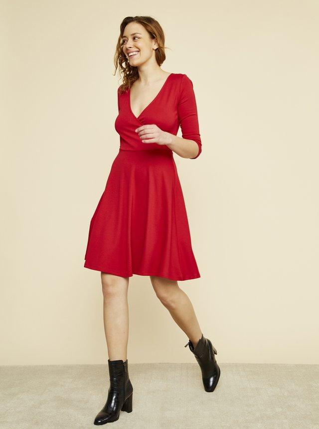 Červené šaty ZOOT Megan
