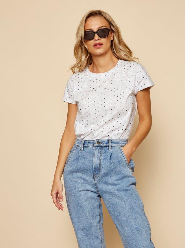 Bílé dámské tričko se srdíčky ZOOT Sierra