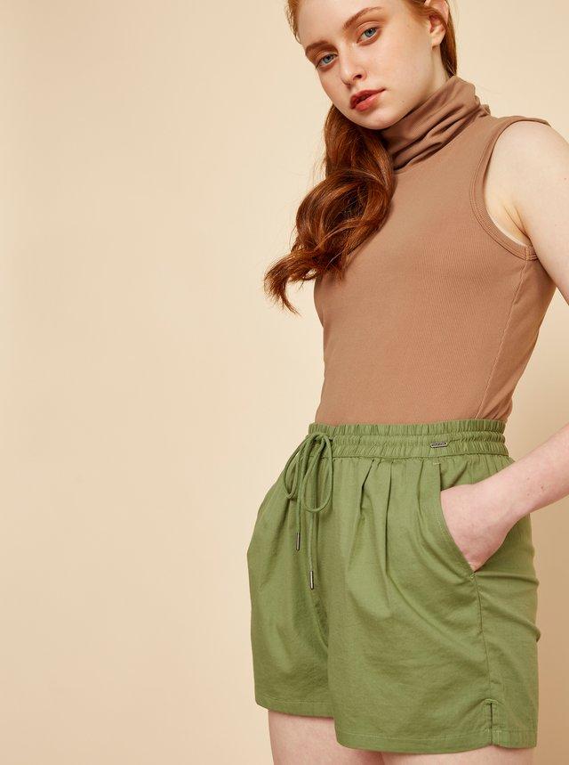 Zelené dámské kraťasy s kapsami ZOOT Baseline Chaima