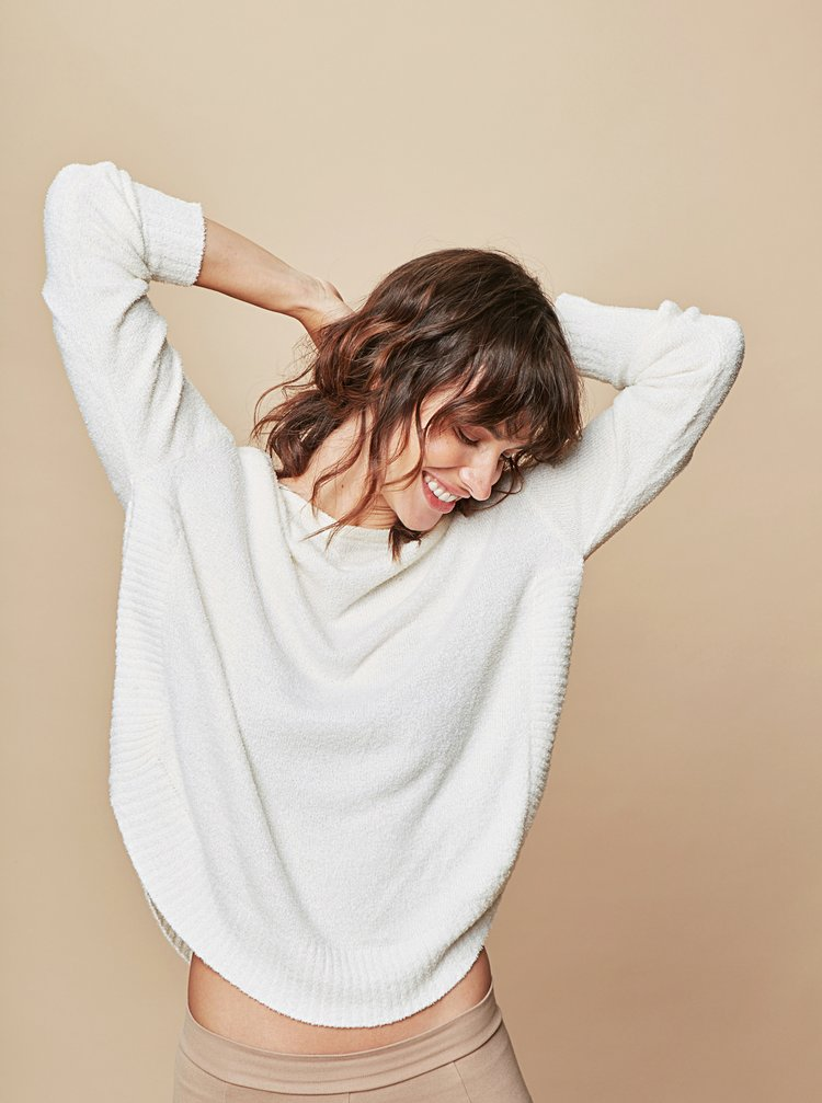 Krémový volný svetr s kulatým výstřihem touch me. Pocahontas Vibe