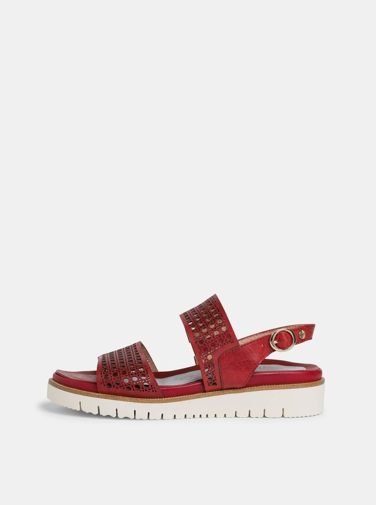 Červené kožené sandály na platformě Tamaris