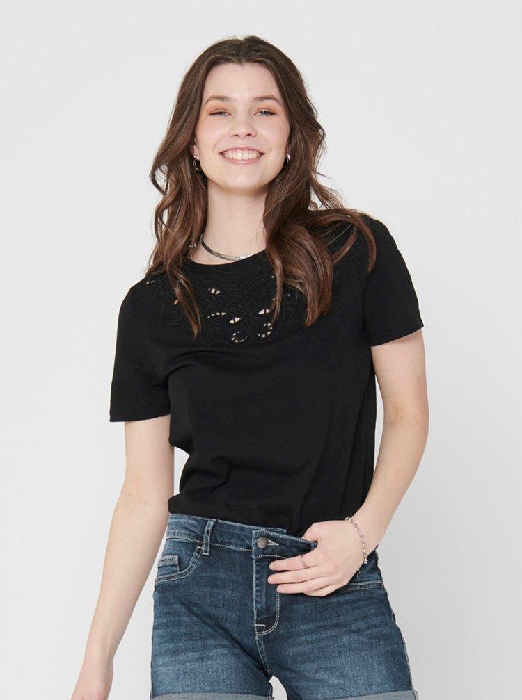 Černé tričko s výšivkou ONLY Theresa