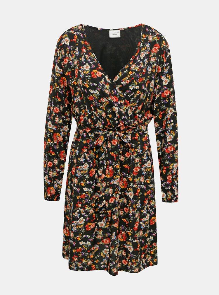 Čierne kvetované šaty Jacqueline de Yong Bello