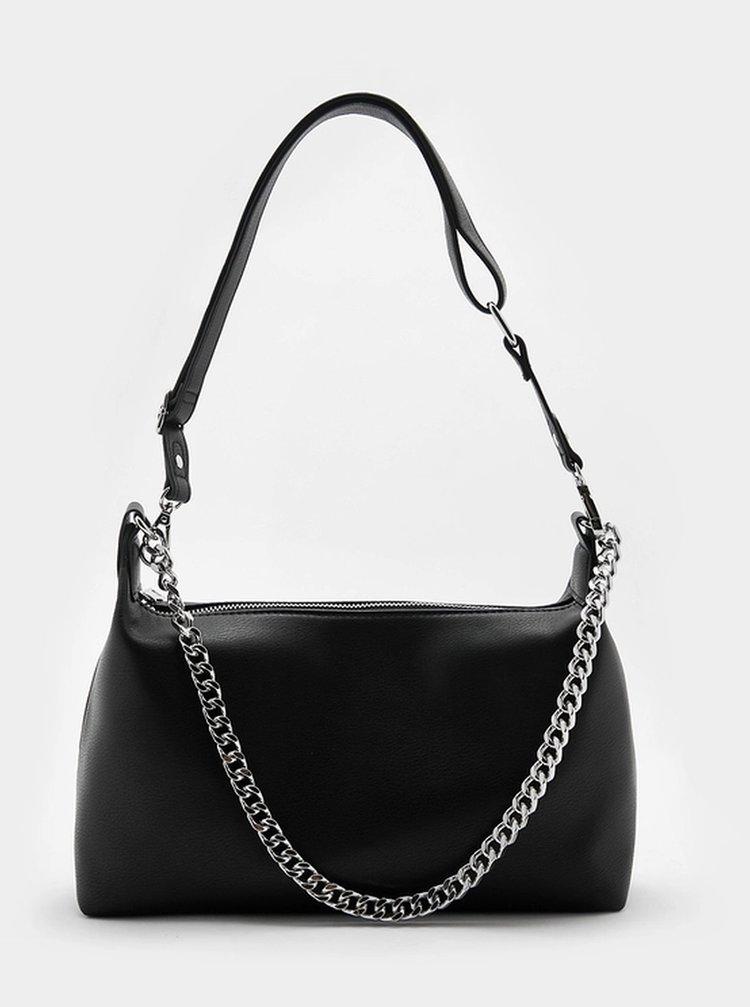 Černá kabelka s ozdobným řetízkem TALLY WEiJL