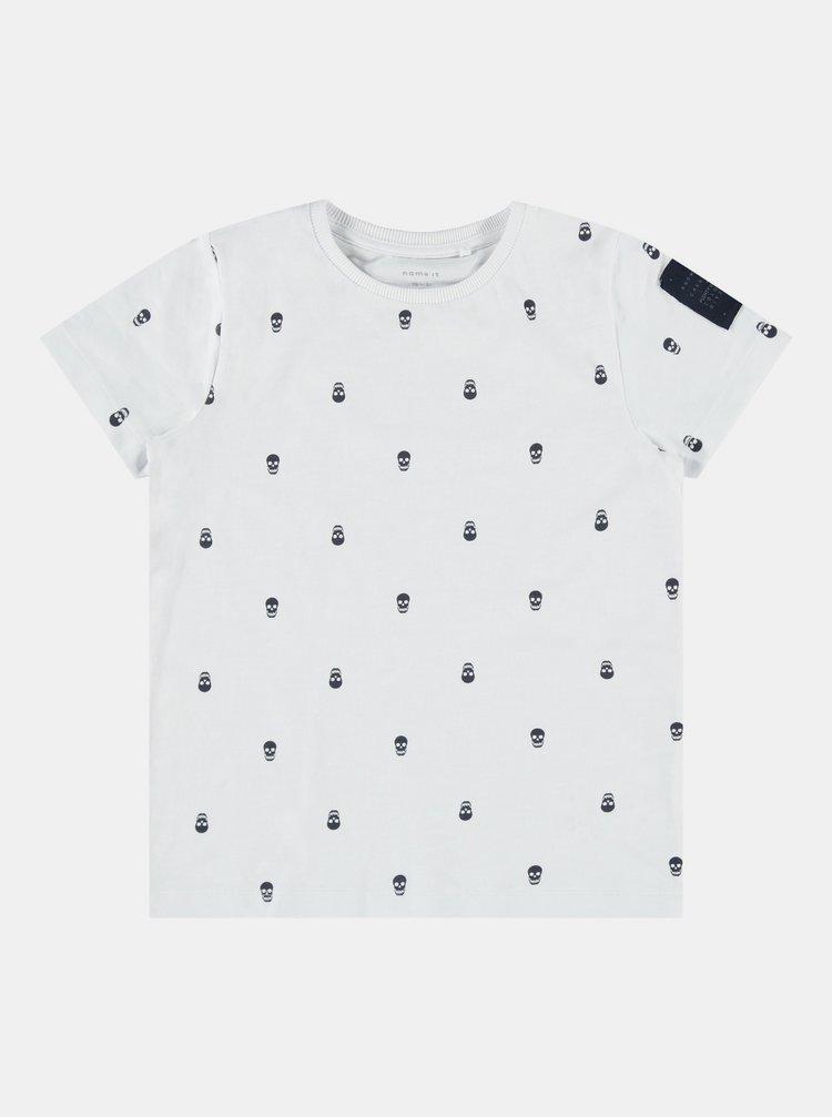 Bílé klučičí vzorované tričko name it