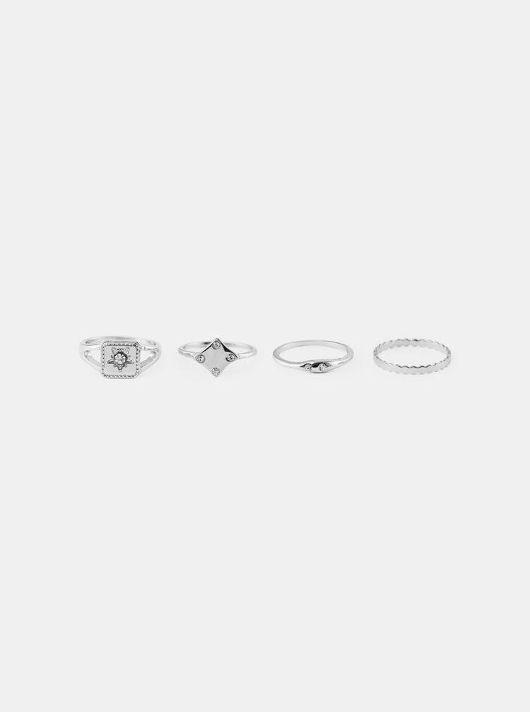 Sada čtyř prstýnků ve stříbrné barvě Pieces