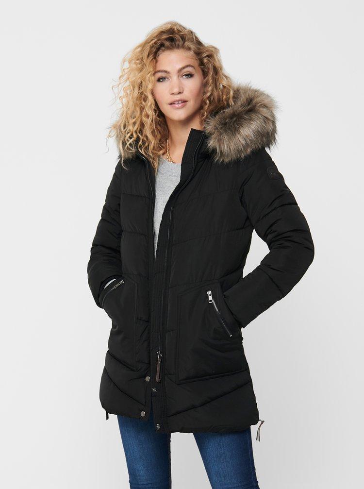 Čierny zimný prešívaný kabát ONLY
