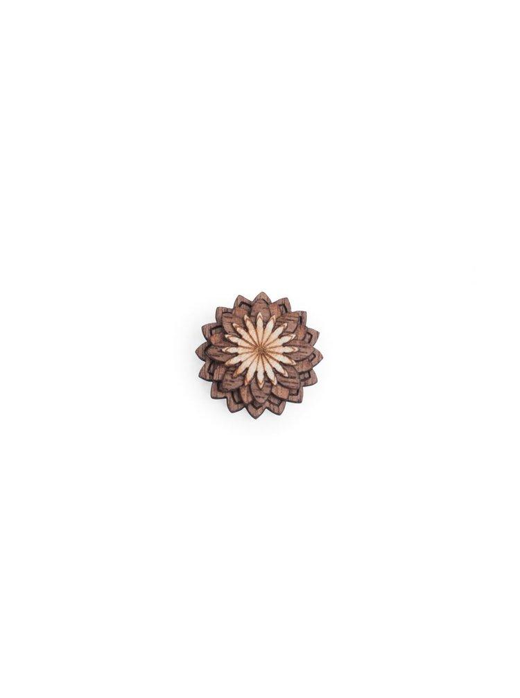 Dřevěná ozdoba do klopy Oriens Flower BeWooden