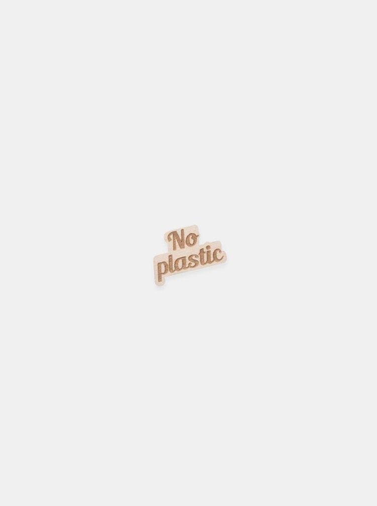 Dřevěná brož ve tvaru nápisu No Plastic BeWooden