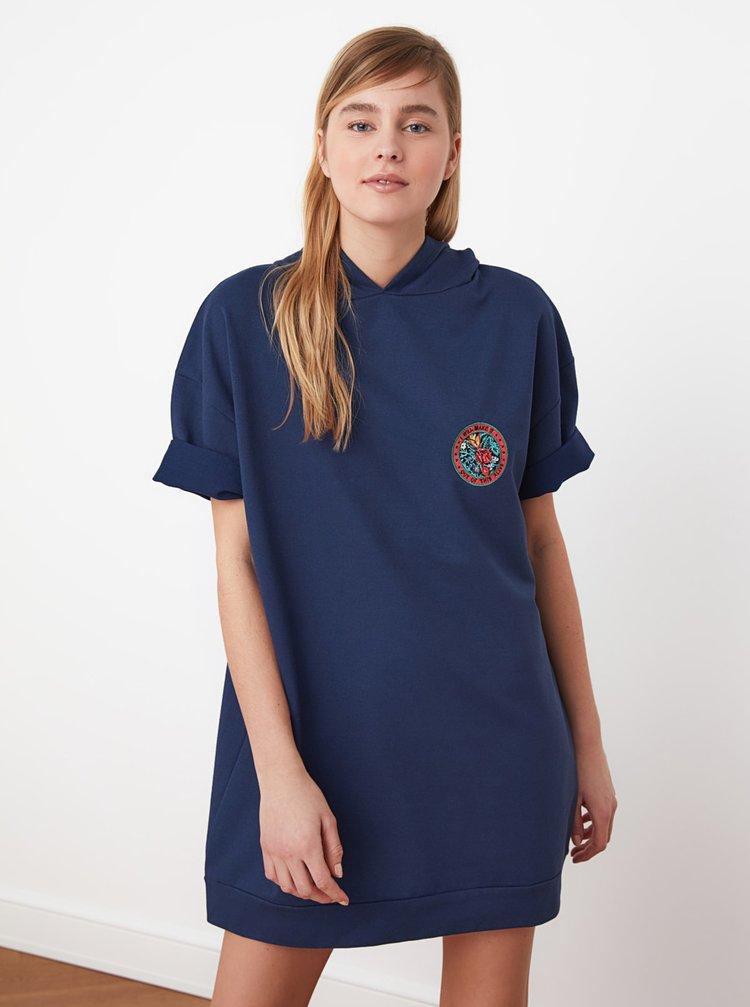 Tmavě modré mikinové šaty s kapucí Trendyol