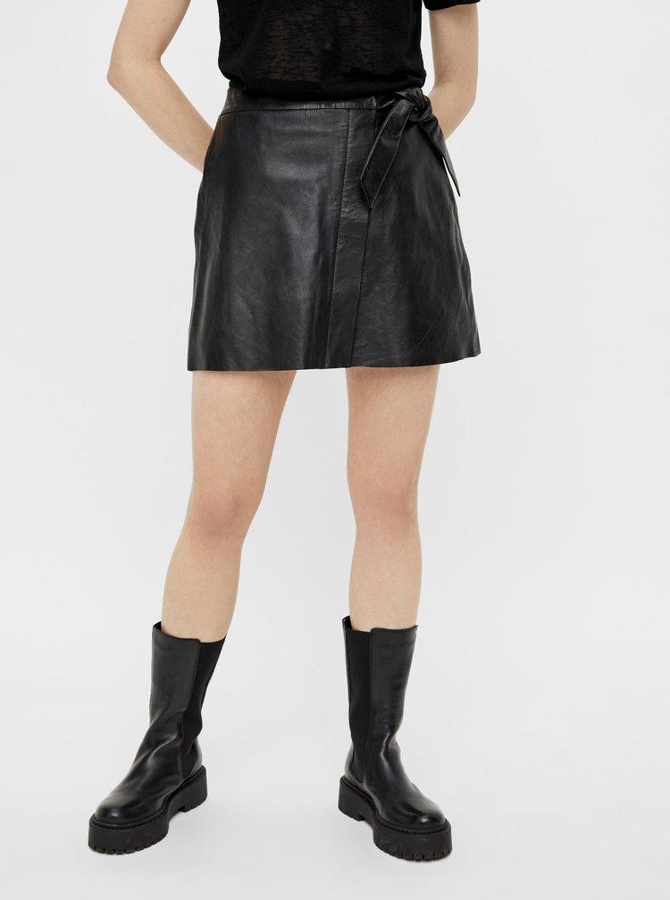 Černá koženková zavinovací sukně .OBJECT Mimi