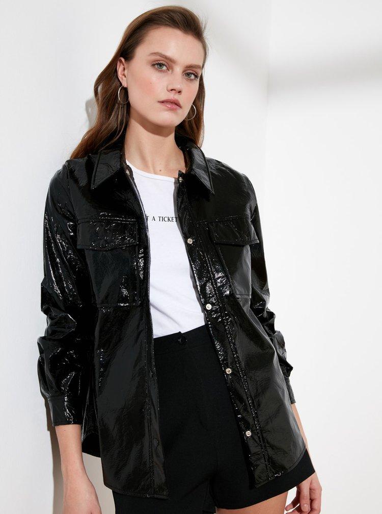 Černá lesklá bunda s kapsami Trendyol