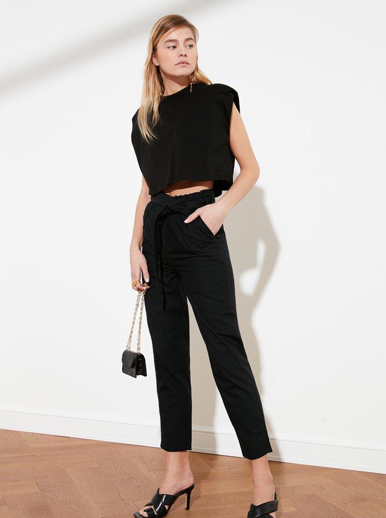 Černé zkrácené kalhoty Trendyol