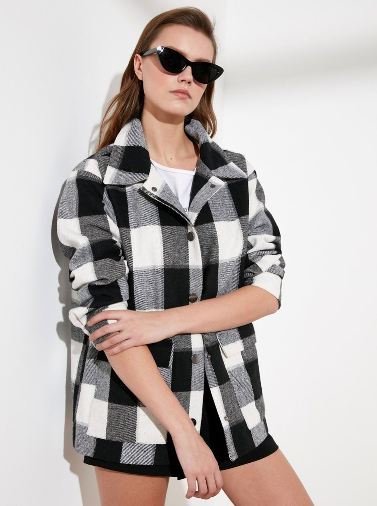 Černo-šedá kostkovaná bunda Trendyol