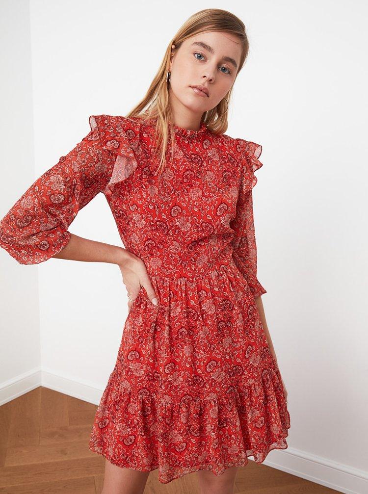 Červené vzorované šaty s volány Trendyol